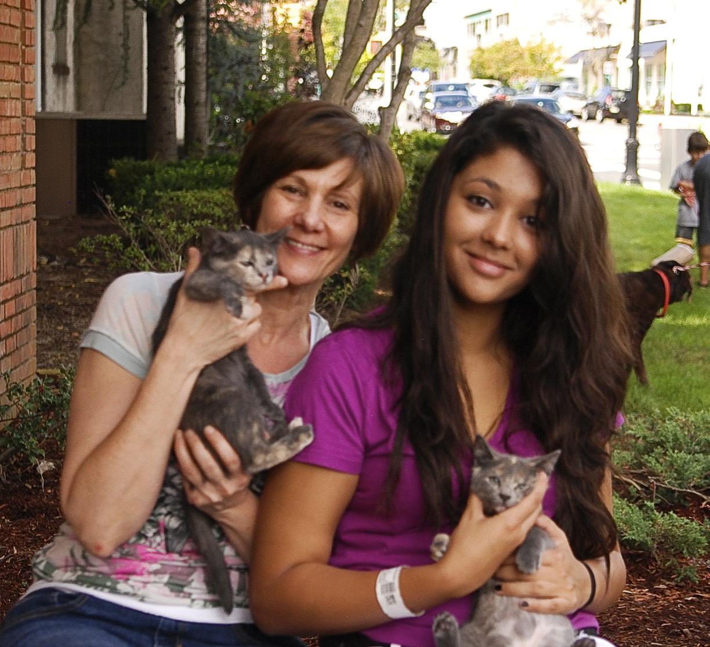 Adopt_A_Pet_9-25-11-2-10.jpg